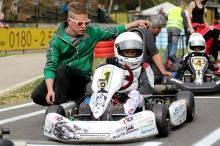 Benedict Stolle mit seinem Mechaniker