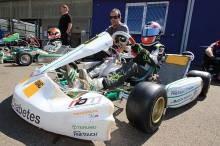 Tony Kart-Pilot Jan-Vincent Stolle gemeinsam mit seinem Teamchef Ralf Braaz